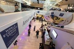 Het werk ogenblikken tijdens Wereld Economisch Forum in Davos stock foto