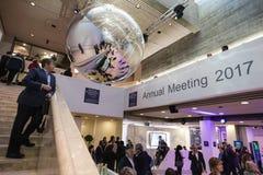 Het werk ogenblikken tijdens Wereld Economisch Forum in Davos Stock Afbeeldingen