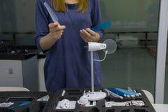 Het werk proces in nanotechnologielaboratorium van windenergie stock afbeeldingen