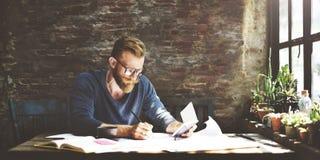 Het Werk van zakenmandetermine ideas writing Concept royalty-vrije stock afbeelding
