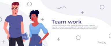 Het werkbanner van het bedrijfsmensenteam De ontwikkelaar en de manager van de karakters zullen het ontwerp app voorstellen vector illustratie