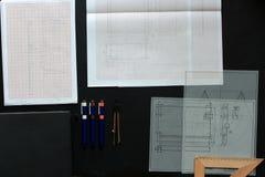 Het werken aan een technische tekening Stock Foto