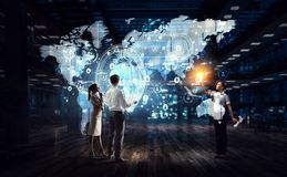 Het werken aan strategie van globale zaken royalty-vrije stock foto's