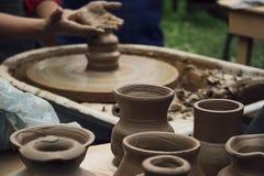 Het werken van de pottenbakker Stock Afbeeldingen