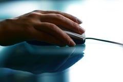 Het werkhand van de muis stock afbeelding