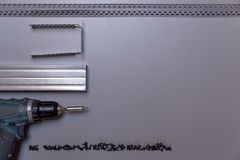 Het werkhulpmiddelen voor het kader van het profielmetaal het assembleren Metaalprofielen, a Stock Foto's