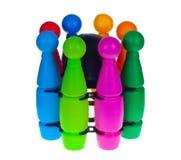 Het werpen van kleurrijke kegels voor kinderen Stock Afbeelding