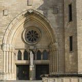 Het westeningang aan Notre-Dame-Kathedraal in Luxemburg Stock Fotografie