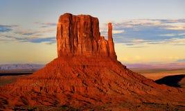 Het westenvuisthandschoen, het Stammenpark van Navajo van de Monumentenvallei, Utah stock foto