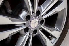 Het wiel en de rand van Mercedes Benz stock afbeeldingen