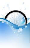 Het wiel van de fiets op water Stock Foto
