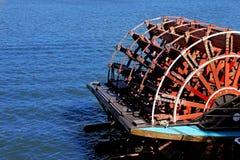 Het wiel van de peddel op boot Stock Afbeelding