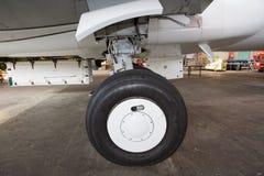 Het wiel van vliegtuigen Stock Fotografie