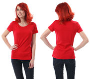 Het wijfje van de roodharige met leeg rood overhemd Royalty-vrije Stock Afbeelding