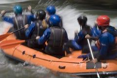 Het wilde water rafting stock fotografie