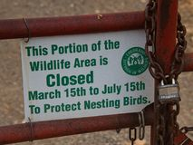 Het wildgebied voor Nestelende Vogels wordt gesloten die royalty-vrije stock foto