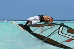 Het windsurfing van Freesrtyle stock afbeeldingen