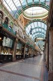 Het winkelen arcade, Leeds, het UK Stock Foto's
