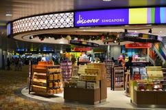Het winkelen bij Changi internationale luchthaven in Singapore Stock Foto's