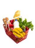 Het winkelen mandhoogtepunt van verse kleurrijke kruidenierswinkels Stock Fotografie