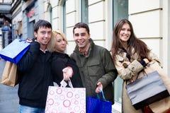 Het winkelen met vrienden stock foto's