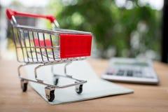 Het winkelen online concept Stock Foto's