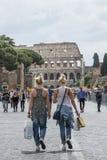 Het winkelen in Rome Stock Afbeeldingen