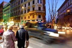 Het winkelen straat in Rome Royalty-vrije Stock Afbeeldingen