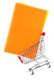 Het winkelen voor Boeken Royalty-vrije Stock Afbeelding