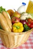 Het winkelen voor voedsel royalty-vrije stock fotografie