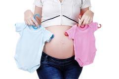 Het winkelen voor zwangere vrouw Stock Foto's