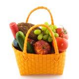Het winkelen zak met dagelijks voedsel royalty-vrije stock afbeelding