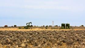 Het winnen van de olie Stock Afbeeldingen