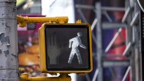 Het wit u kan verkeersteken lopen royalty-vrije stock foto