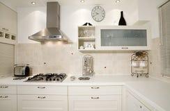 Het wit van de keuken Stock Afbeeldingen