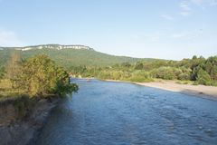 Het Wit van rivierbelaya in Adygeya Royalty-vrije Stock Afbeelding
