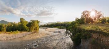 Het Wit van rivierbelaya in Adygeya Stock Foto's
