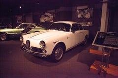 Het witte Alpha- Romeo Guilietta Sprint Veloce van 1958 stock afbeelding
