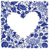 Het witte hart als achtergrond is omringd van vissen Royalty-vrije Stock Foto