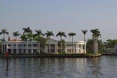 Het witte huis van de Luxe Royalty-vrije Stock Afbeelding