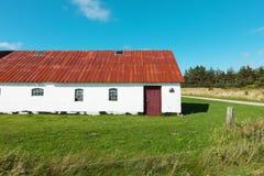 Het witte huis van het land in Denemarken, niemand Royalty-vrije Stock Foto's