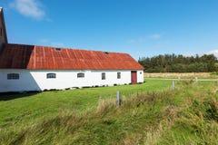 Het witte huis van het land in Denemarken, niemand Royalty-vrije Stock Foto