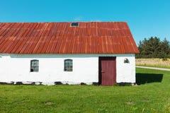 Het witte huis van het land in Denemarken, niemand Stock Foto's