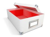 Het witte leer opende doos, met chroomhoeken, rood binnenlands en leeg etiket Royalty-vrije Stock Afbeeldingen