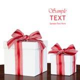 Het witte Lint van de Doos van de Gift Huidige Rode & Witte Gingang Gecontroleerde Stock Afbeelding