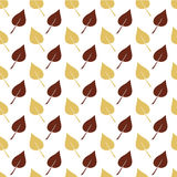 Het witte Naadloze Patroon met Bruin en Lichtoranje doorbladert Stock Fotografie