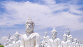Het witte standbeeld van Boedha Royalty-vrije Stock Foto