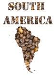 Het woord en geografisch van Zuid-Amerika met de achtergrond die van koffiebonen gestalte wordt gegeven Royalty-vrije Stock Afbeeldingen