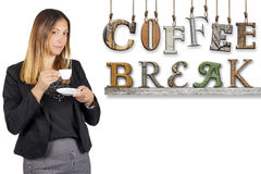 Het woord het van de bedrijfs koffiepauzetekst vrouw drinken koffie Het werkpauze Royalty-vrije Stock Fotografie