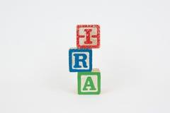 Het Woord IRA in de Blokken van Houten Kinderen Royalty-vrije Stock Foto